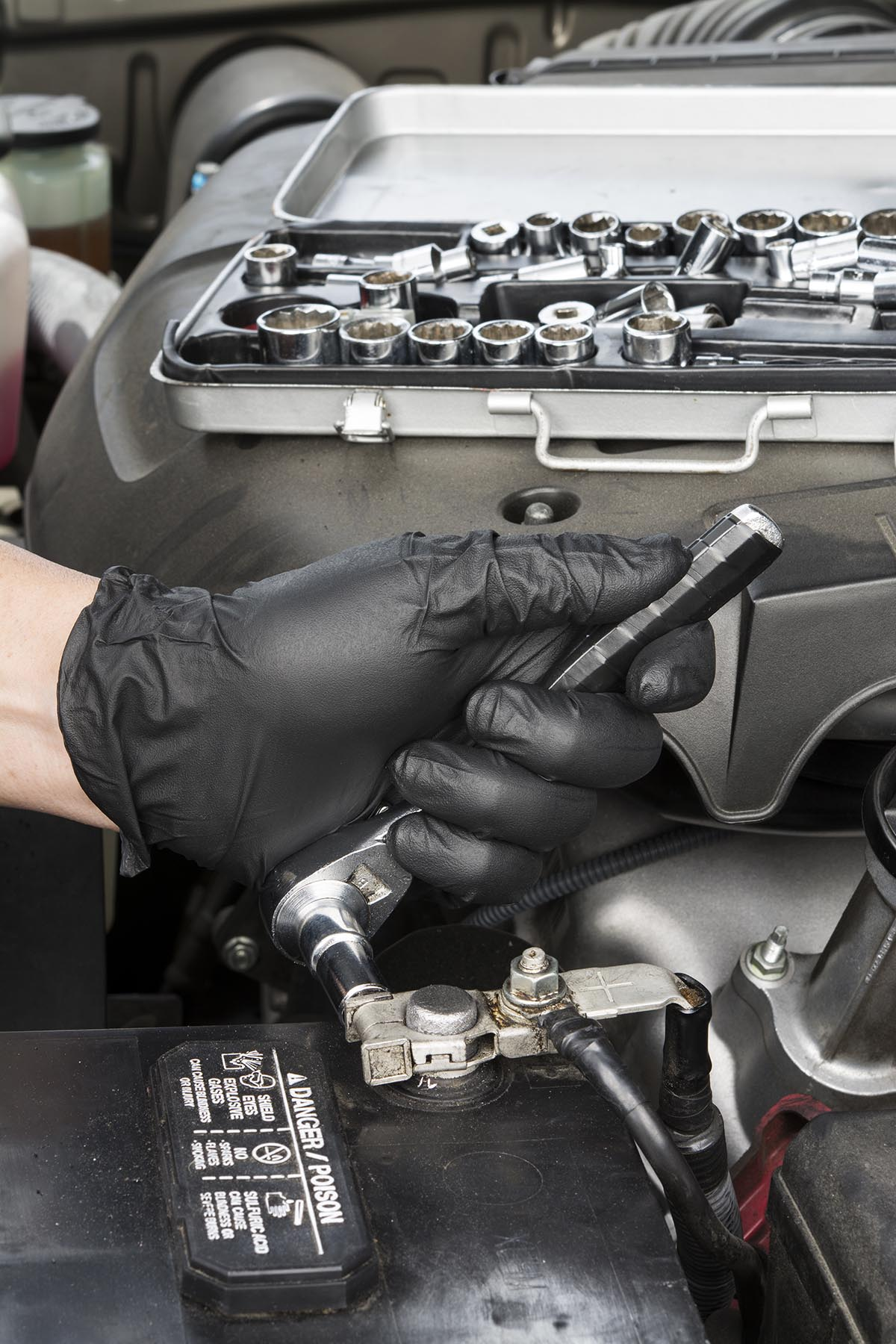 Jump start car service in abu dhabi, uae